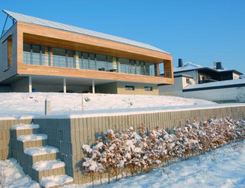 Plusenergiehaus mit Satteldach